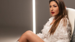 """Paparizou clarifies: """"I do not force anyone to either look at me or listen to me"""""""